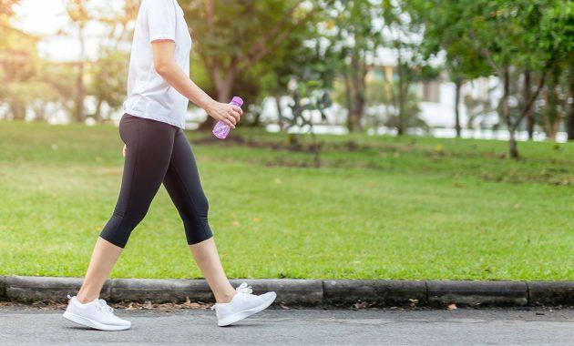 Cómo empezar a caminar para bajar de peso